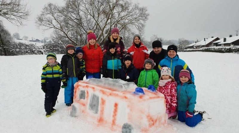 Kinderfeuerwehr im Schnee